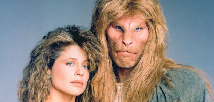 Em 1987, Linda Hamilton e Ron Perlman trouxeram 'A Bela e a Fera' para a TV